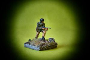 Fallschirmjäger, soldatino plastica scala 1:72 Airfix,pittura Giorgio Albertini,ambientazione giallinovagabondo