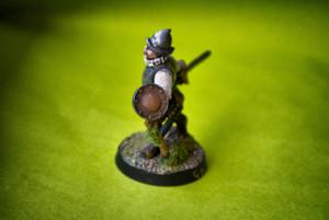 Swashbuckler ,miniatura in metallo 28mm Wargames Foundry, pittura giallinovagabondo