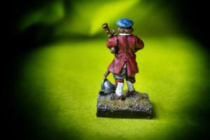 Suonatore Cornamusa Scots Covenanters, miniatura Warlord Games 28 mm metallo, pittura giallinovagabondo