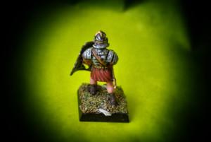 Legionario Romano Veterano,miniatura in plastica 28mm della Warlord Games,pittura giallinovagabondo