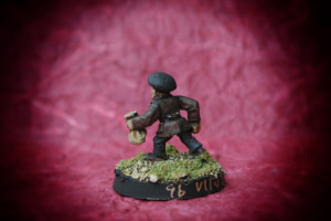Pickpocket, miniatura 28mm in metallo Wargames Foundry, pittura giallinovagabondo