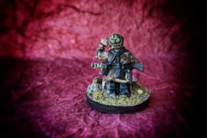 Sniper German Fallschirmjäger,miniatura Warlord Games 28mm metallo,pittura giallinovagabondo