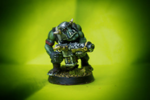 Ork Boyz ,miniatura plastica 28mm Games Workshop,pittura giallinovagabondo