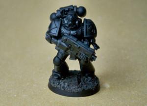 Space Marines dopo la pittura con il primer nero