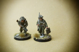 Canadian Infantry, Piat Team,miniature in plastica 28mm Warlord Games,pittura giallinovagabondo