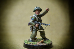 Canadian Infantry, Sergeant,miniatura in plastica 28mm Warlord Games,pittura giallinovagabondo