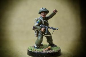 Canadian Infantry, Sergeant,miniatura in plastica 28mm Warlord Games,pittura giallinovagabondo