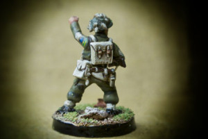 Canadian Infantry, Sergeant, miniatura in plastica 28mm Warlord Games,pittura giallinovagabondo