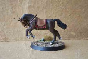 Cavallo in plastica scala 28mm della Games Workshop
