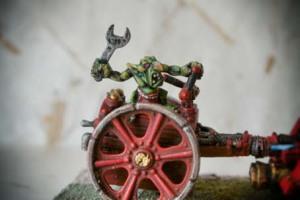 Particolare servente Space Orks Skorcha,miniatura metallo 28mm Games Workshop,pittura e rielaborazione giallinovagabondo