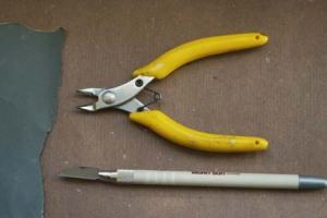 Cutter,tronchese e carta abrasiva fine