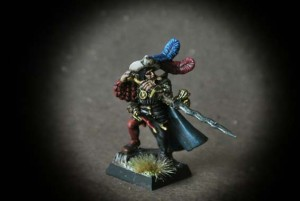 Capitano Imperiale,miniatura in plastica 28mm Games Workshop,pittura giallinovagabondo