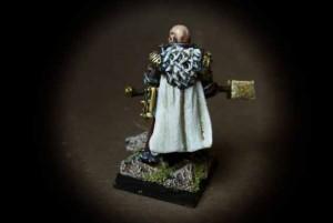 Monaco Guerriero,miniatura in resina 28mm Games Workshop,pittura giallinovagabondo