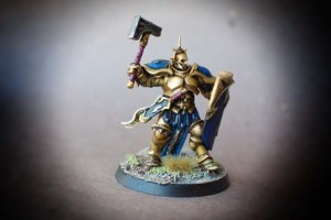 Hammers of Sigmar, miniatura in plastica Games Workshop, pittura giallinovagabondo