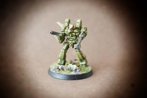 Mech Warrior, miniatura in plastica, pittura giallinovagabondo