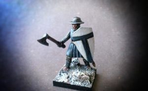 Teutonic infantry soldier of the 12°/13° Century,miniatura in plastica,scala 28mm ,Fire Forge